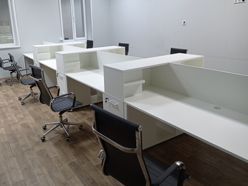 Офісний стіл на 8 осіб LOFT